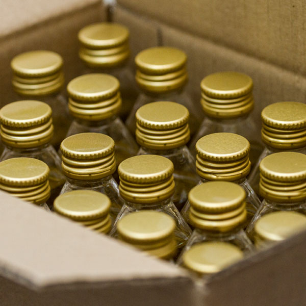 botellitas-monodosis-en-cajas-600